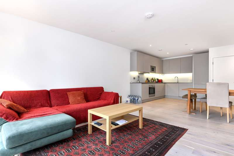 2 Bedrooms Flat for sale in Cobalt Place, Battersea, SW11