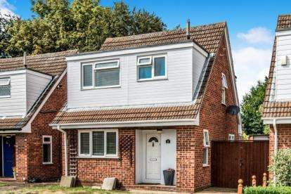 3 Bedrooms Detached House for sale in Ringwood Close, Kempston, Bedford, Bedfordshire