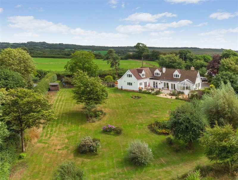 5 Bedrooms Detached House for sale in Roachill, South Molton, Devon, EX36