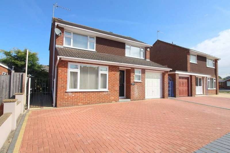 4 Bedrooms Detached House for sale in Lytchett Way, Upton