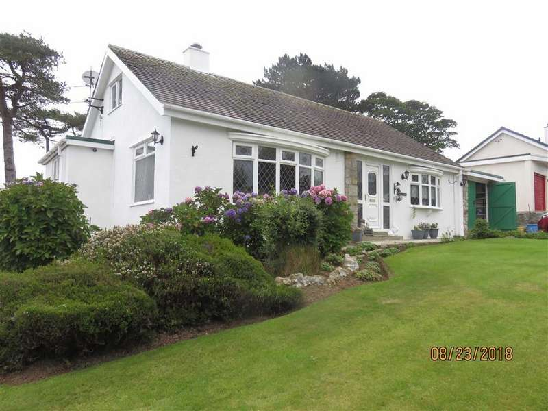 2 Bedrooms Detached Bungalow for sale in Breeze Hill, Benllech, Anglesey