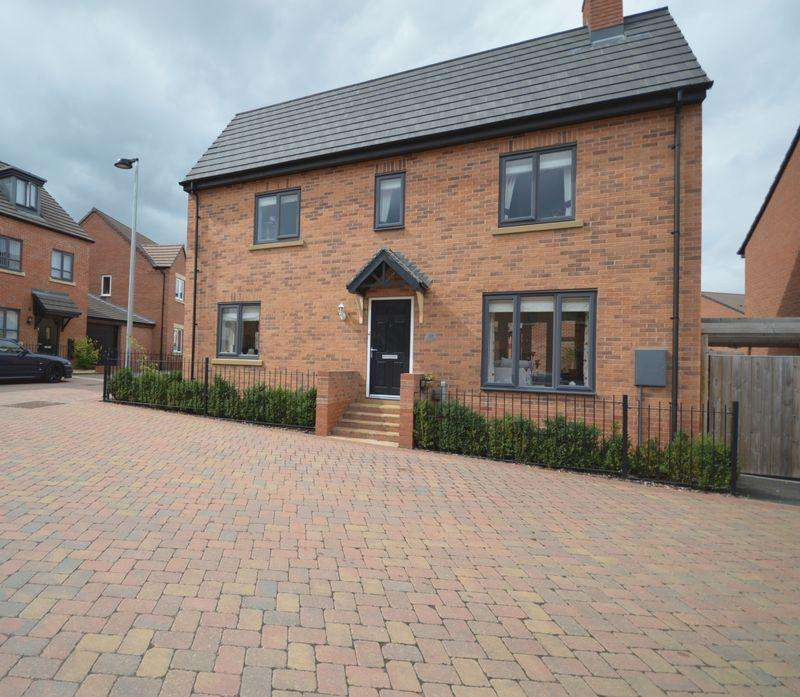 4 Bedrooms Detached House for sale in Darrall Road, Lawley