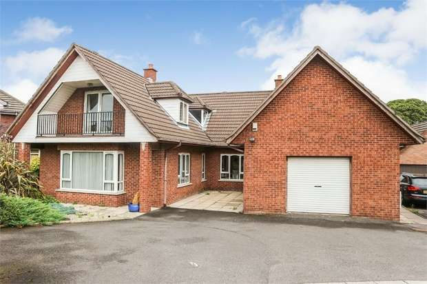 5 Bedrooms Detached House for sale in Strangford Gate Drive, Newtownards, County Down