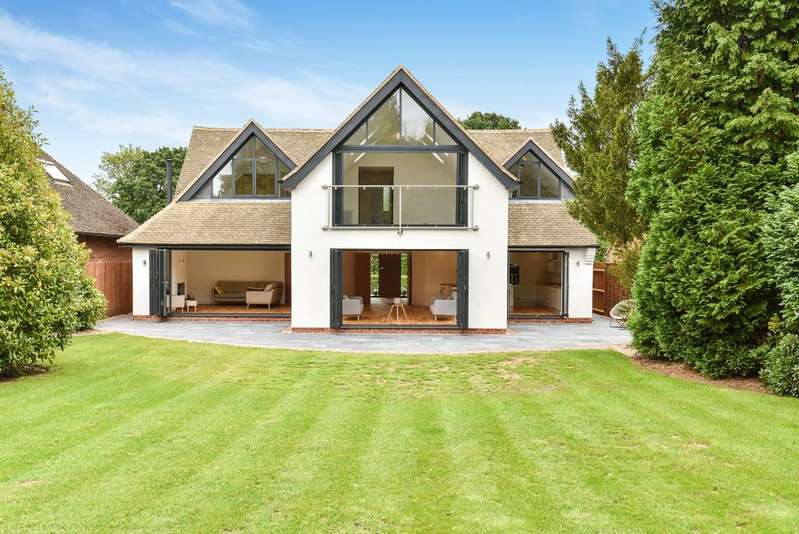 4 Bedrooms Detached House for sale in Monastery Drive, Solihull