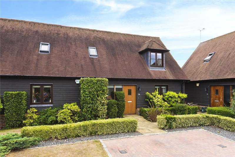 4 Bedrooms Semi Detached House for sale in Summer Close, Byfleet, West Byfleet, Surrey, KT14