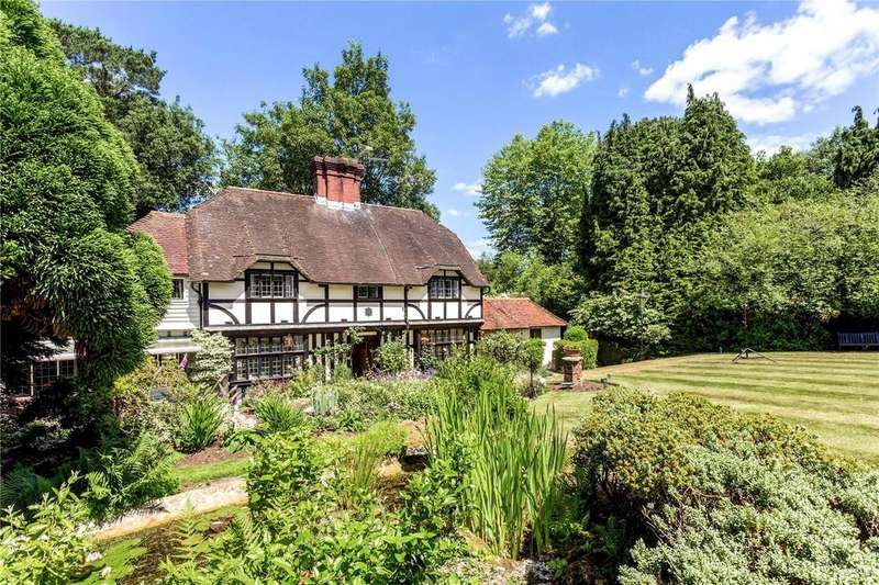 4 Bedrooms Detached House for sale in Lewes Road, East Grinstead, West Sussex, RH19