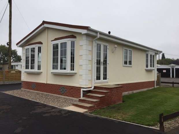 2 Bedrooms Park Home Mobile Home for sale in Butterfly Rose Orton Grange Grange Park Road, Carlisle, Carlisle, CA5