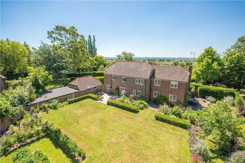 6 Bedrooms Detached House for sale in New Road, Weedon, Aylesbury, Buckinghamshire
