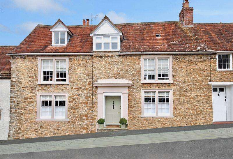 3 Bedrooms Town House for sale in Mill Street, Wincanton