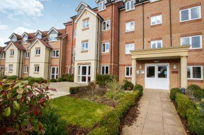 1 Bedroom Retirement Property for sale in Concorde Lodge, Southmead Road, Bristol, Gloucestershire