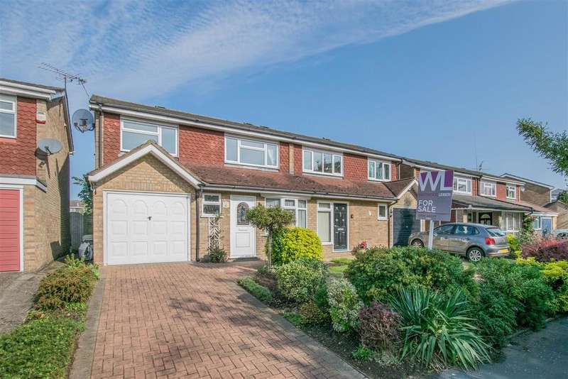 3 Bedrooms Semi Detached House for sale in Lampits, Hoddesdon