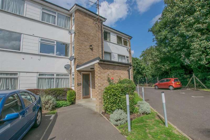 2 Bedrooms Apartment Flat for sale in High Road, Broxbourne