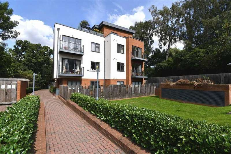 2 Bedrooms Flat for sale in Woodchester Court, Woodside Park
