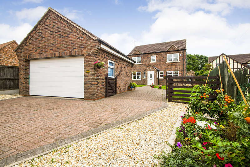 5 Bedrooms Detached House for sale in Cross Street, Crowle, Scunthorpe, DN17