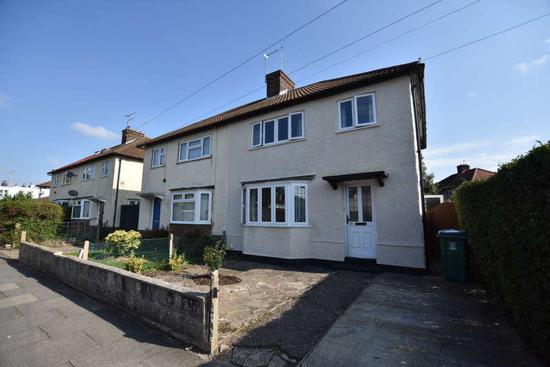 3 Bedrooms Semi Detached House for sale in Chilcott Road, Watford