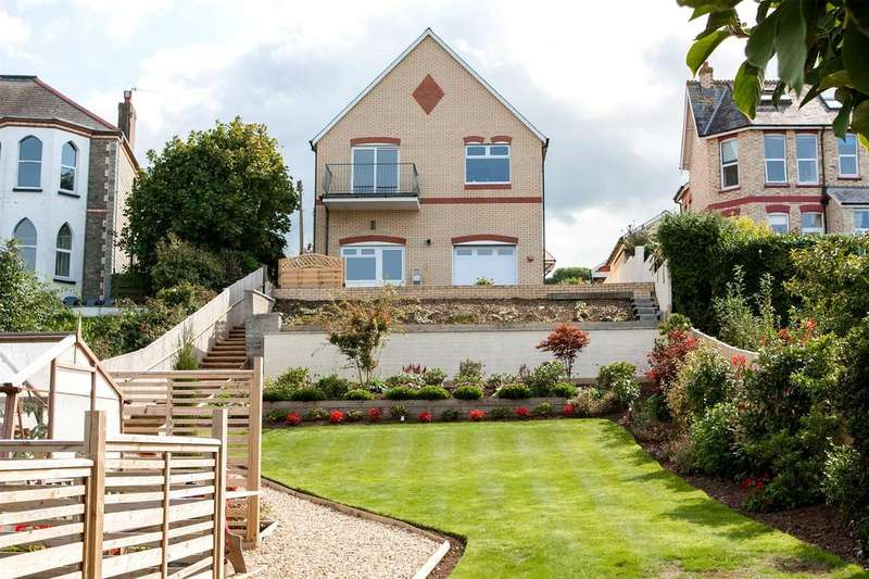 4 Bedrooms Detached House for sale in Crofts Lea Park, Ilfracombe