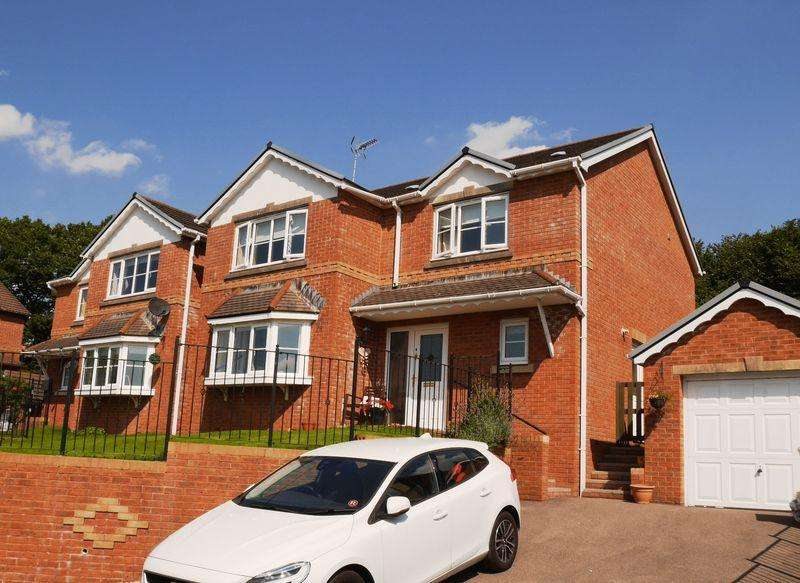 4 Bedrooms Detached House for sale in The Meadows, Tonyrefail CF39 8BS