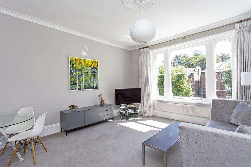 2 Bedrooms Apartment Flat for sale in Cromwell Avenue, Highgate Village, N6