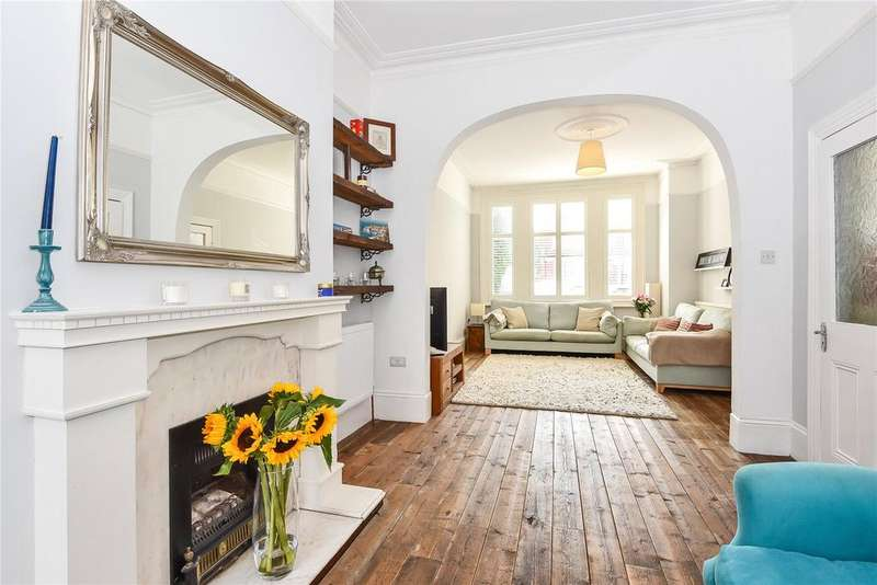 4 Bedrooms Terraced House for sale in Stanmore Road, Harringay, London, N15