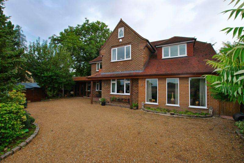4 Bedrooms Detached House for sale in Thursby, Dam Lane, Rixton, WA3 6LE