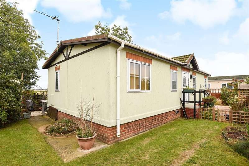 2 Bedrooms Park Home Mobile Home for sale in Marina View, Dogdyke, Lincoln, LN4 4UT
