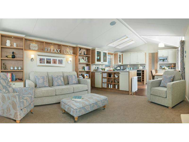 2 Bedrooms Park Home Mobile Home for sale in Norton Park, Tewkesbury Road, Norton, Gloucestershire, GL2 9LH