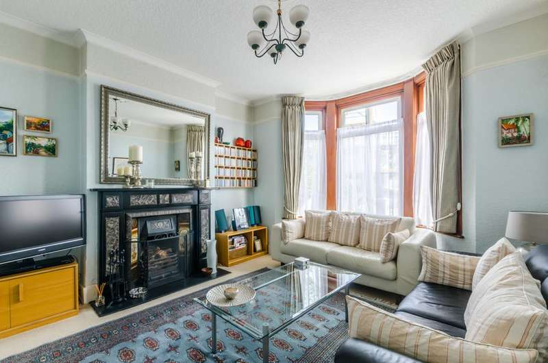 3 Bedrooms Semi Detached House for sale in Crowther Road, South Norwood, SE25