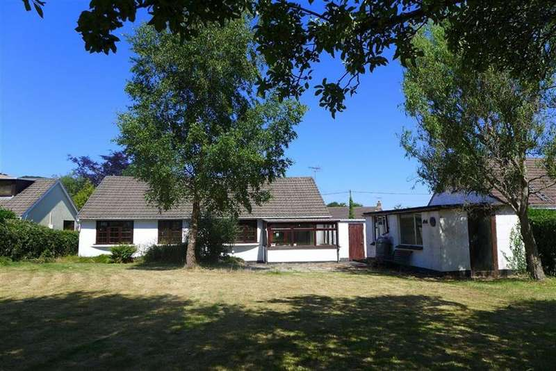 3 Bedrooms Bungalow for sale in Lon Glanfraed, Bow Street, Ceredigion, SY24