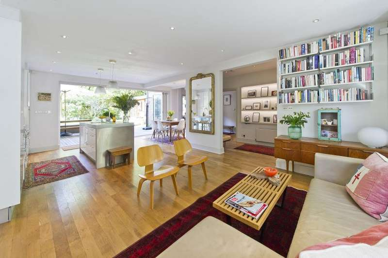 3 Bedrooms Flat for sale in Oxford Gardens, North Kensington W10