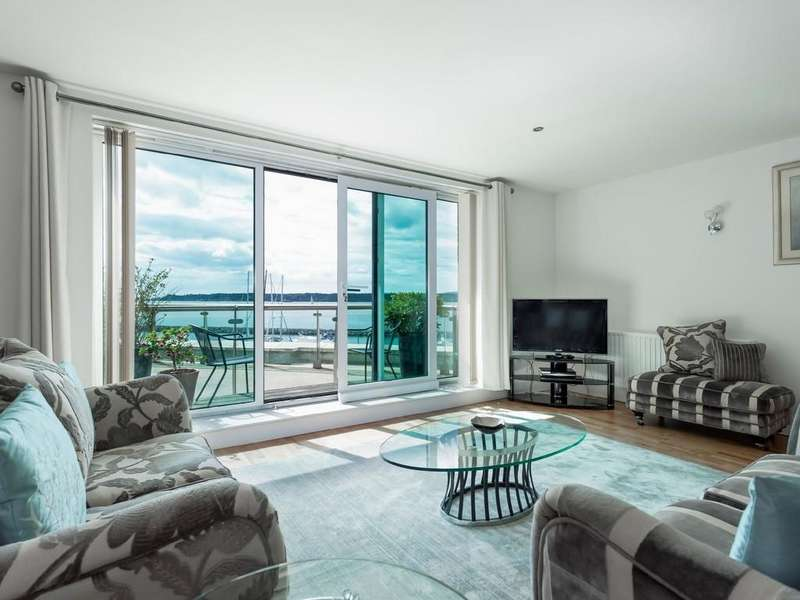 3 Bedrooms Apartment Flat for sale in The Quay, Poole