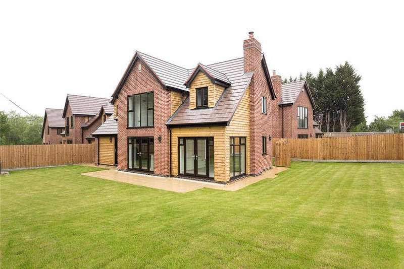4 Bedrooms Detached House for sale in Laburnum Villas, Gloucester Road, Hartpury, Gloucester, GL19