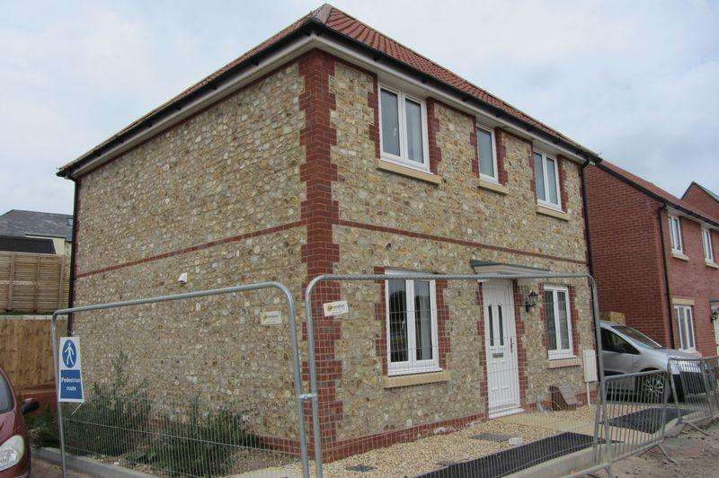 3 Bedrooms Detached House for sale in Dukes Way, Axminster