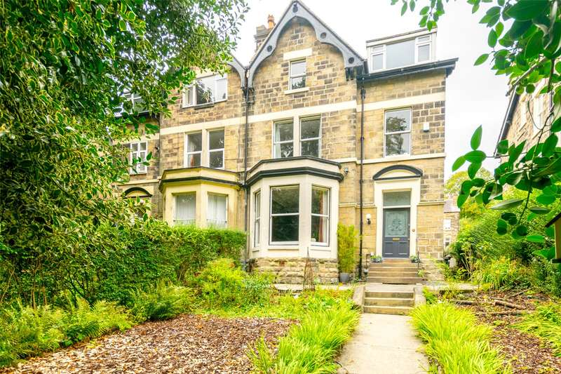 6 Bedrooms Semi Detached House for sale in Oak Road, Potternewton, Leeds, West Yorkshire, LS7