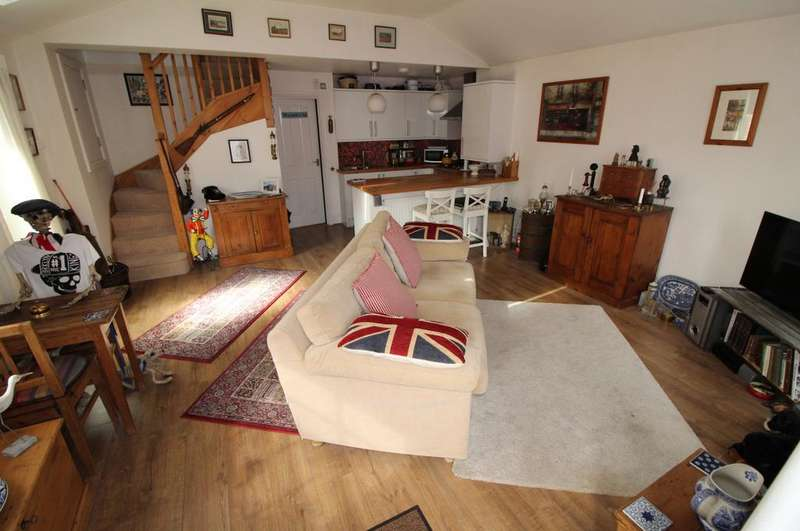1 Bedroom End Of Terrace House for sale in Vale Court, Dunstable