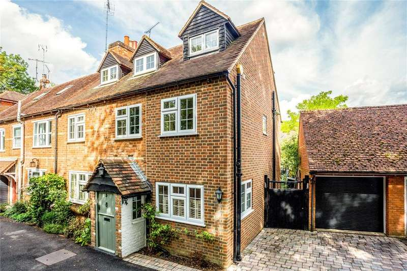 4 Bedrooms Unique Property for sale in Stable Cottages, Temple Lane, Temple, Marlow, SL7