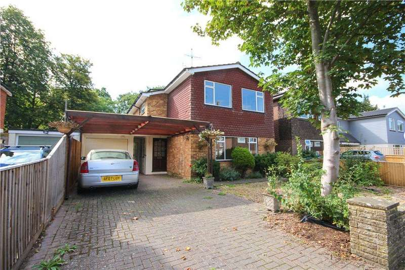 3 Bedrooms Detached House for sale in The Aloes, Fleet, Hampshire, GU51