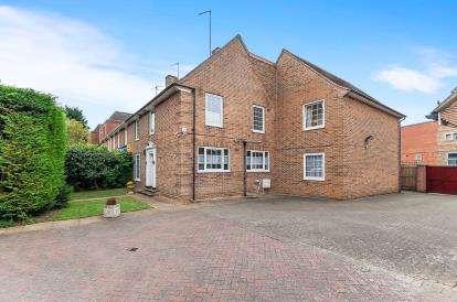 4 Bedrooms Semi Detached House for sale in Park Road, City Centre, Peterborough, Cambridgeshire