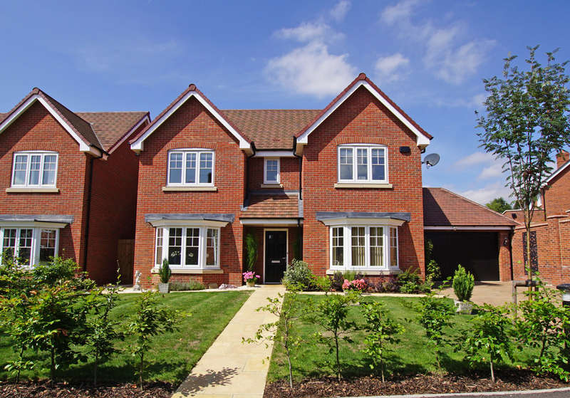 4 Bedrooms Detached House for sale in Butterwick Close, Barnt Green, B45 8BF