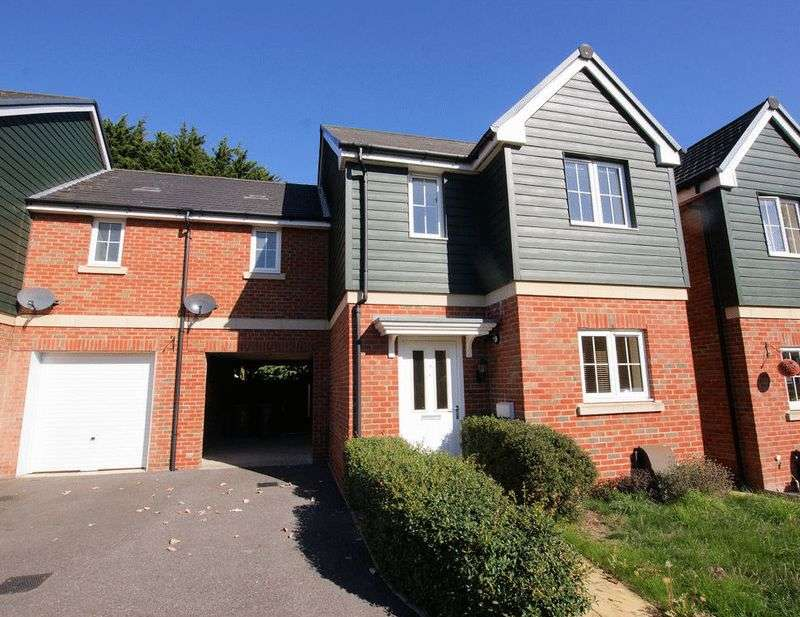 3 Bedrooms Property for sale in Camino Court, Fareham