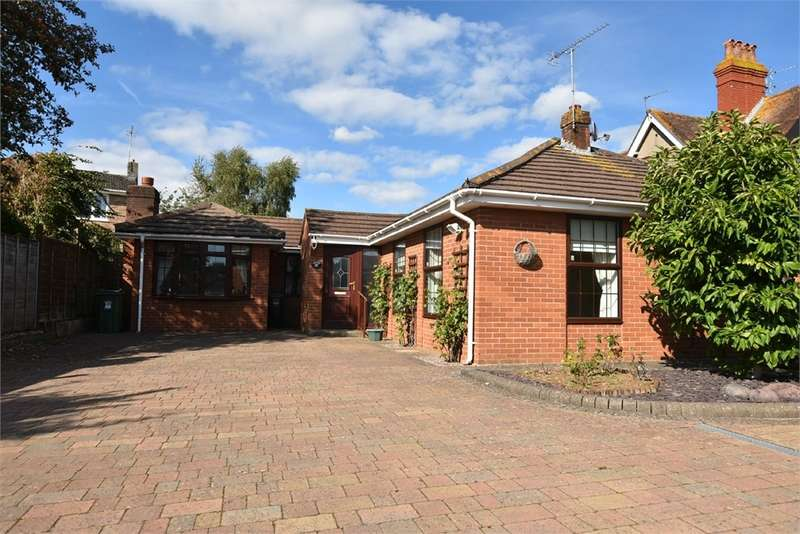 4 Bedrooms Detached Bungalow for sale in 92 Station Road, Nailsea, Bristol, North Somerset