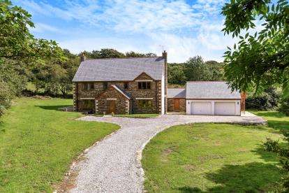 6 Bedrooms Detached House for sale in Goonhavern, Truro, Cornwall