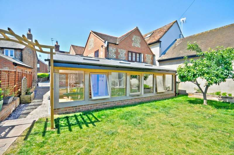 4 Bedrooms Detached House for sale in Station Road, Chinnor