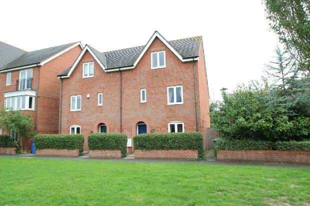 4 Bedrooms Semi Detached House for sale in Greenfinch Gardens, Stamford Brook, Altrincham
