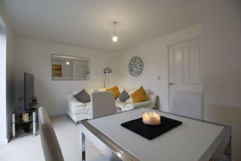 2 Bedrooms Semi Detached House for sale in Stable Walk, Hull, West Yorkshire, HU3