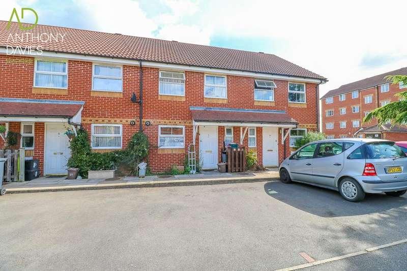 3 Bedrooms Terraced House for sale in Colthurst Gardens, Hoddesdon, EN11