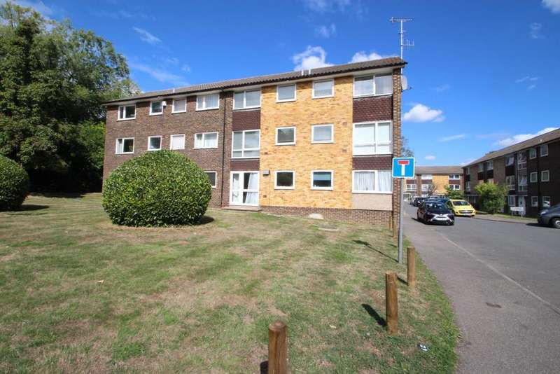 2 Bedrooms Flat for sale in Broadlands Court, Bracknell, RG42