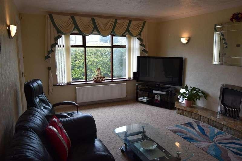 4 Bedrooms Detached House for sale in Slack End, Bradford