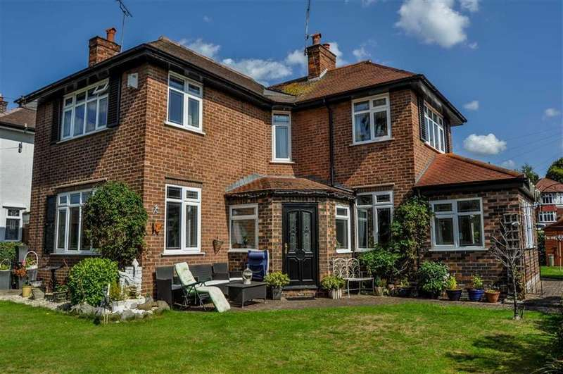 3 Bedrooms Detached House for sale in Mortlake Crescent, Chester, Chester