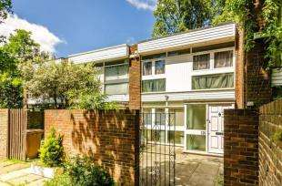 3 Bedrooms Terraced House for sale in Dartmouth Road, London