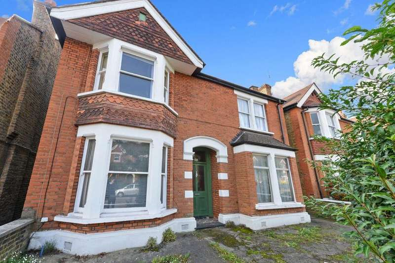 3 Bedrooms Detached House for sale in Culmington Road, Ealing, W13